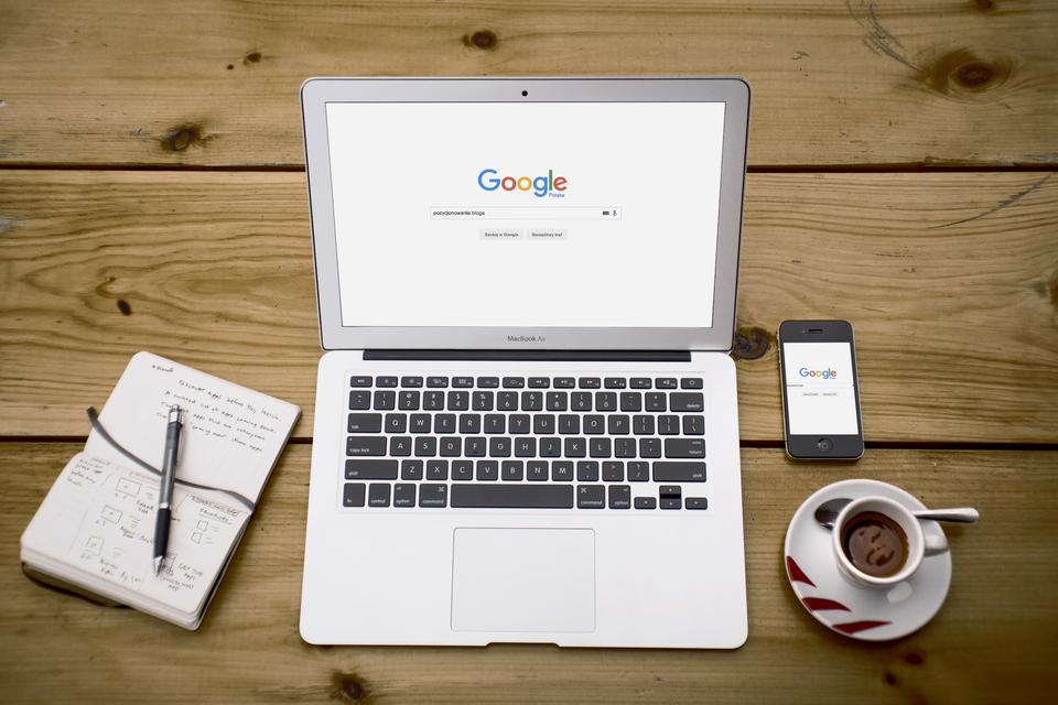 Kurs Pozycjonowanie bloga krok po kroku – czy warto go kupić?